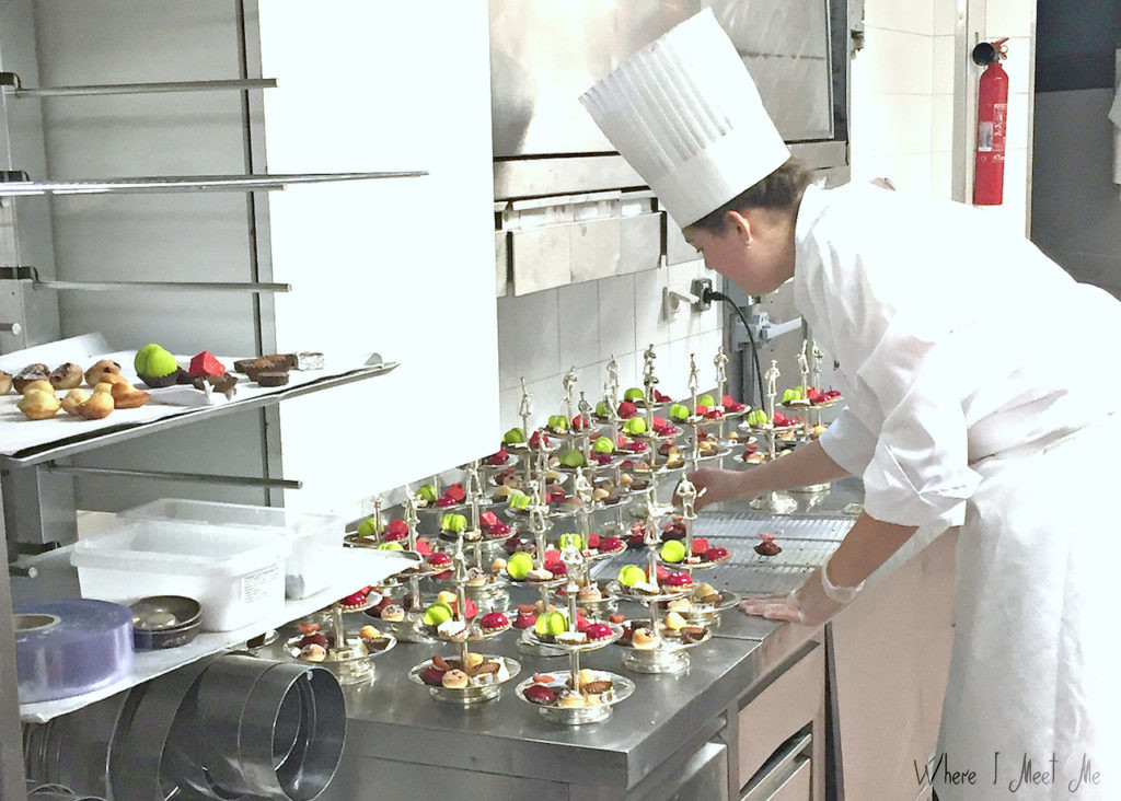 Ksenia Kourilkina's blog whereimeetme.com | Lyon - the heart of haute cuisine | Cake-stands with mini-desserts in neat rows