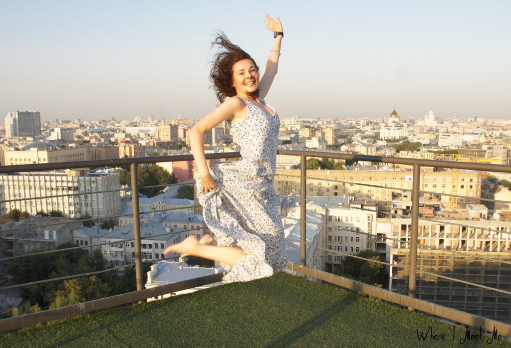 Блог Ксении Курилкиной whereimeetme.com | Москва на высоте - о прогулках по крышам столицы | Хоть на каблуках, хоть в длинном платье