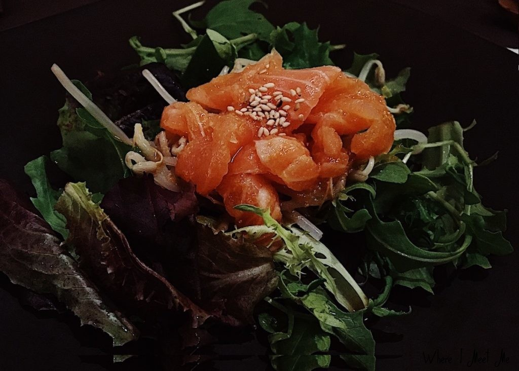 Блог Ксении Курилкиной whereimeetme.com | Как я узнала, что всю жизнь ела суши неправильно. Wasabi в Лионе. | Великолепный тартар из лосося